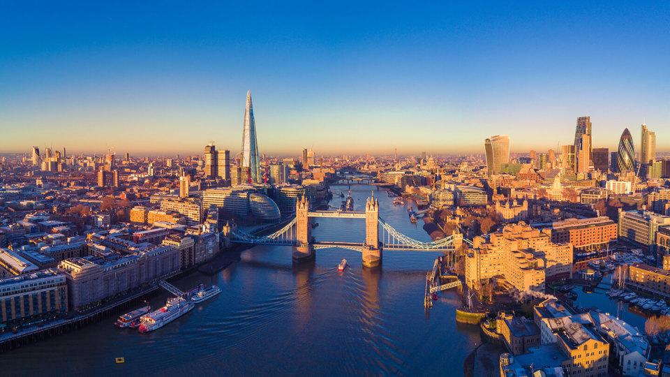 London city centre with tower bridge
